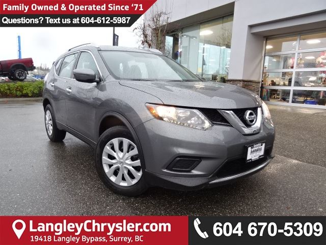 2016 NISSAN ROGUE S *ACCIDENT FREE * LOCAL BC CAR * in Surrey, British Columbia