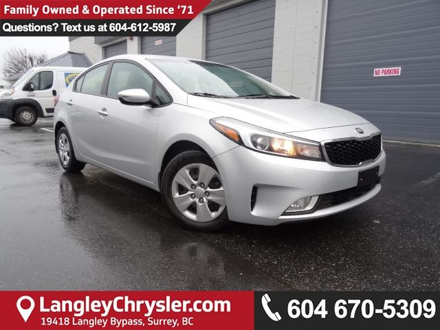 2017 KIA FORTE LX *ACCIDENT FREE*ONE OWNER*LOCAL BC CAR* in Surrey, British Columbia