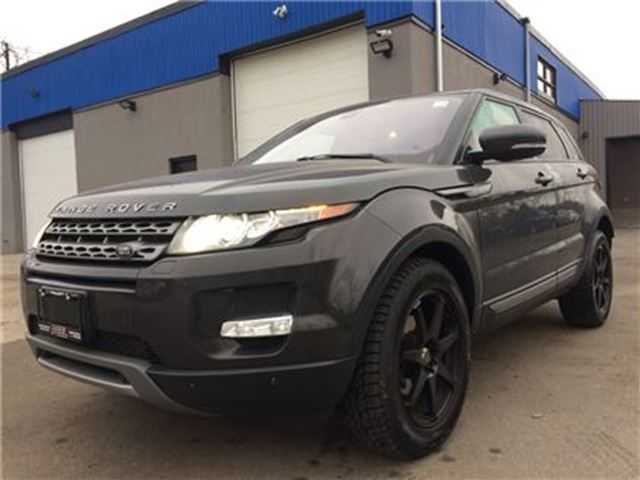 2013 LAND ROVER RANGE ROVER EVOQUE Pure**NAV**ROOF**BACK-UP CAM** in Mississauga, Ontario