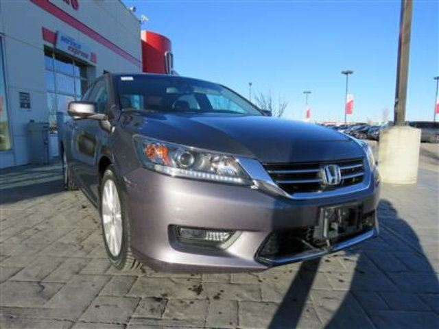 2015 HONDA Accord EX-L *No Accidents, One Owner, BC Driven* in Airdrie, Alberta