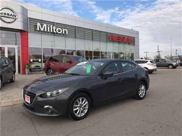 2015 MAZDA MAZDA3 GS Moonroof 46,000km in Milton, Ontario