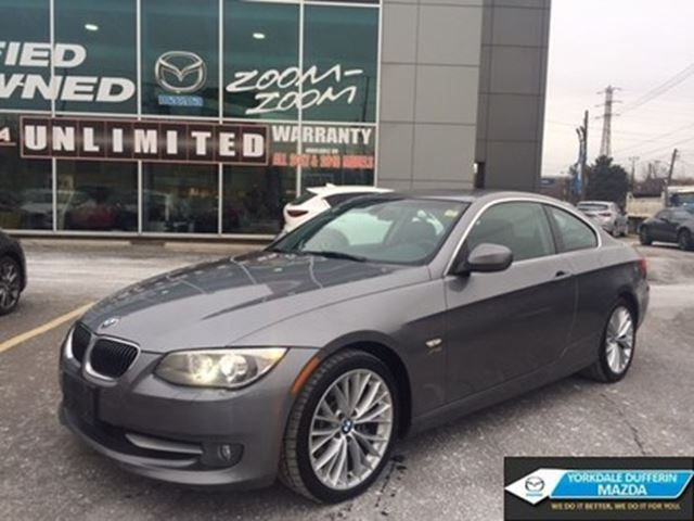 2011 BMW 3 Series xDrive / LEATHER / SUNROOF / 6 SPEED!!! in Toronto, Ontario