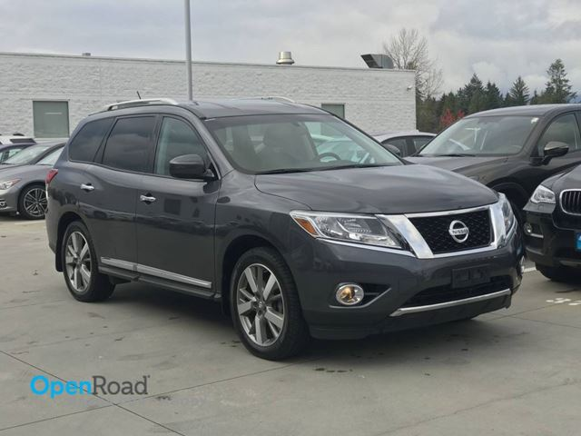 2013 NISSAN PATHFINDER Platinum A/T 4WD No Accident One Owner Local Bl in Port Moody, British Columbia