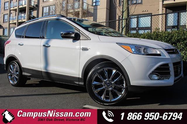2015 FORD ESCAPE SE w BACKUP CAMERA in Victoria, British Columbia
