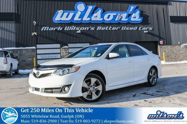 2012 TOYOTA CAMRY SE LEATHER TRIM! POWER DRIVER'S SEAT! BLUETOOTH! TOUCH SCREEN! CRUISE CONTROL! 18 ALLOYS! in Guelph, Ontario
