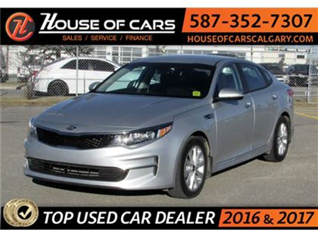 2017 KIA OPTIMA LX / Back up Camera / Bluetooth in Calgary, Alberta