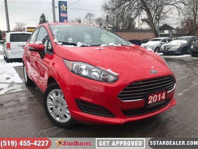 2014 FORD FIESTA SE   ROOF   HEATED SEATS   ONE OWNER in London, Ontario