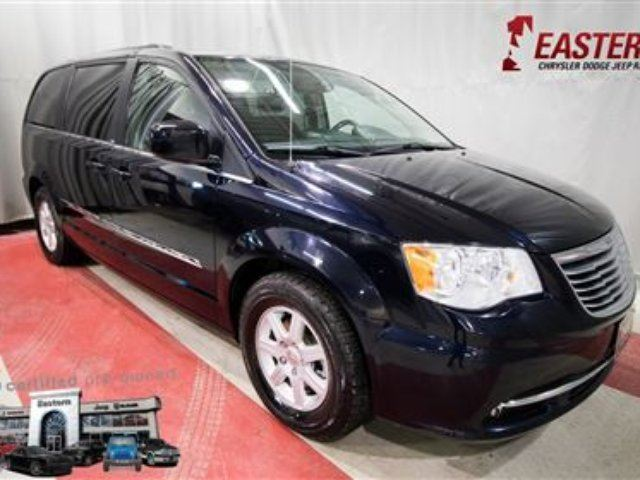 2011 CHRYSLER TOWN AND COUNTRY Touring MP3 BLUETOOTH BACK UP CAMERA in Winnipeg, Manitoba