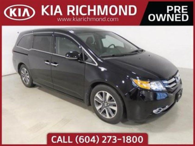 2015 HONDA ODYSSEY Touring I NAVIGATION I POWER SLIDING DOORS I REAR in Richmond, British Columbia