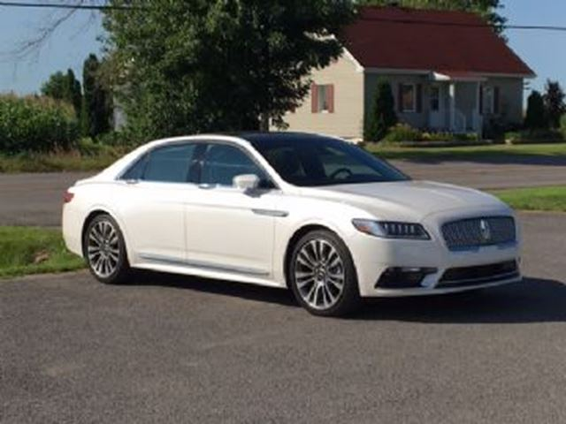 2017 LINCOLN CONTINENTAL AWD Reserve w/ Luxury and Technology Packs + + + in Mississauga, Ontario