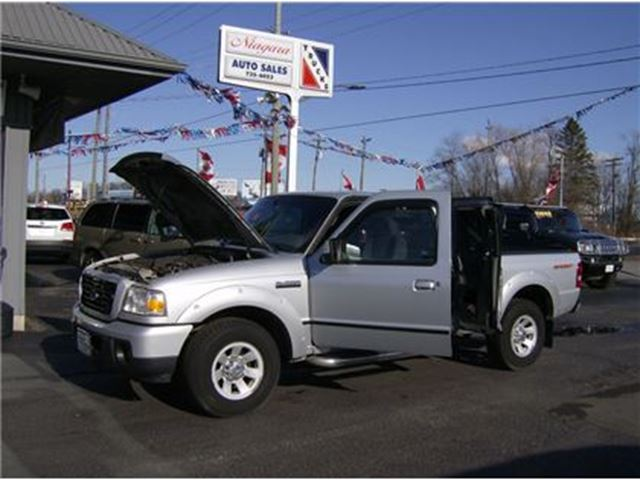 2009 FORD RANGER CLEAN EXTENDED CAB !! WE FINANCE !! in Welland, Ontario