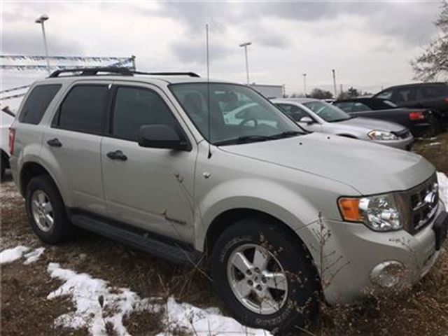 2008 FORD ESCAPE XLT in Brantford, Ontario