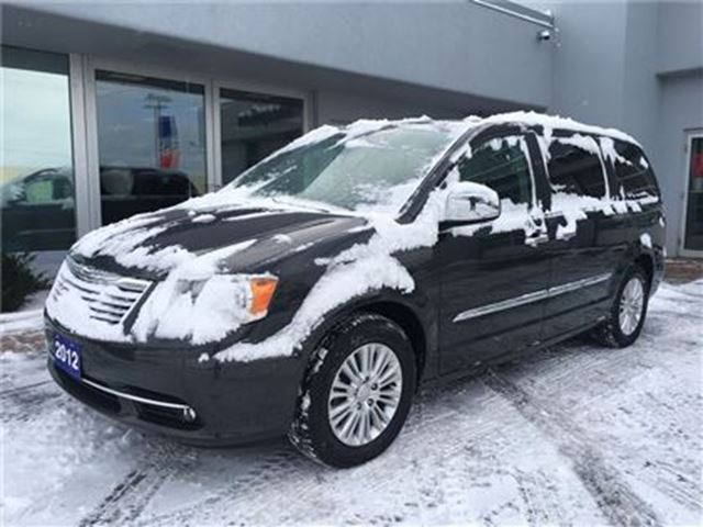 2012 CHRYSLER TOWN AND COUNTRY Limited GPS NAVIGATION.. in Simcoe, Ontario