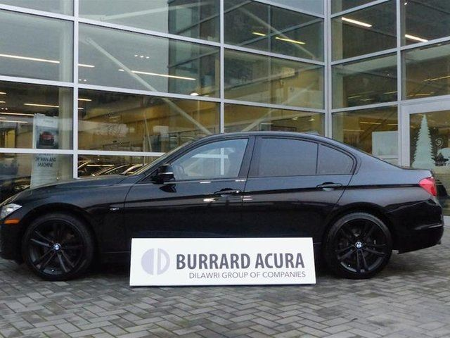 2013 BMW 3 SERIES 328 i xDrive Sedan Luxury Line in Vancouver, British Columbia