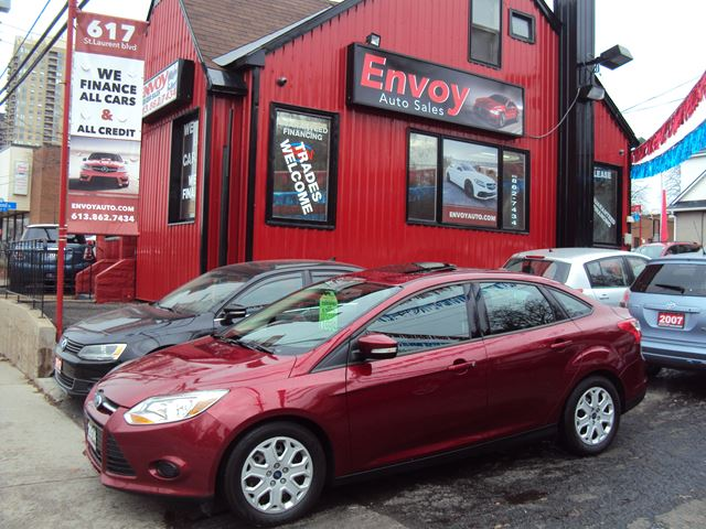 2014 FORD Focus SE SUNROOF!!ONE OWNER!!HEATED SEATS!! in Ottawa, Ontario