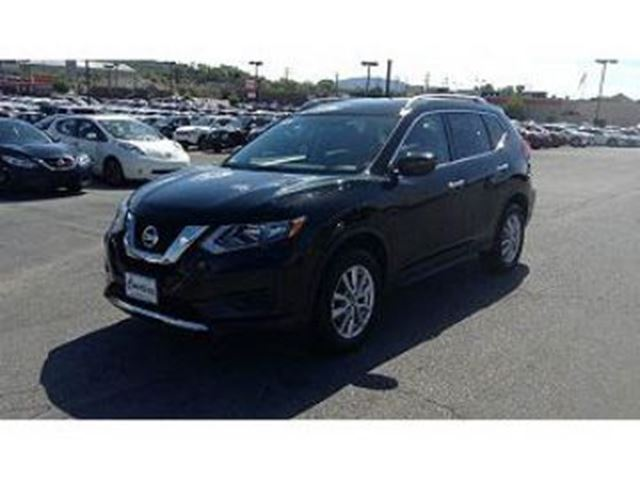 2017 NISSAN ROGUE SV FWD 2.5L 4 CYLINDER in Mississauga, Ontario