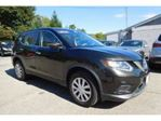 2015 Nissan Rogue Nissan Rogue AWD SV Tech Pkg in Mississauga, Ontario