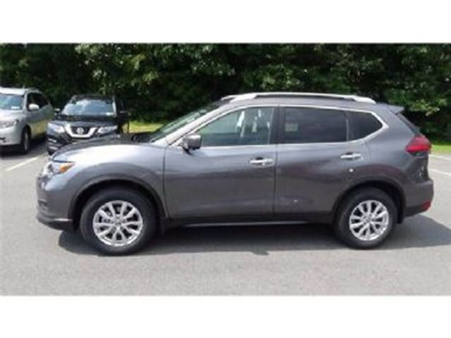 2017 NISSAN ROGUE SV AWD W/ TECH PKG 2.5L 4 CYLINDER in Mississauga, Ontario