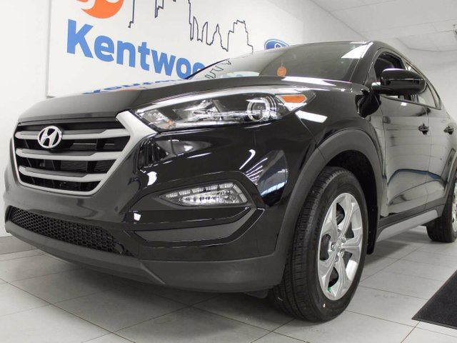 2017 HYUNDAI TUCSON SE AWD with a back up cam and heated seats. Plenty of room for personalization. in Edmonton, Alberta