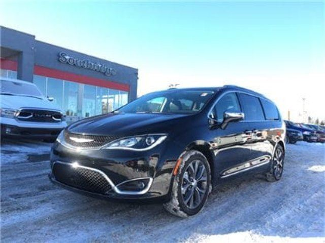 2017 CHRYSLER PACIFICA Limited-Seat Back Video System in Okotoks, Alberta