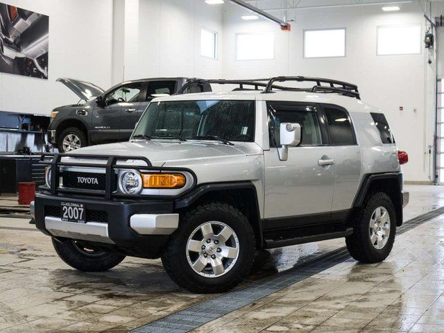 2007 TOYOTA FJ CRUISER 4WD AT in Kelowna, British Columbia