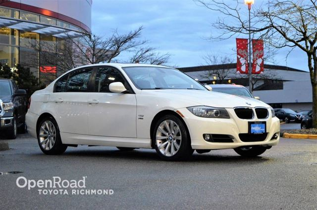 2011 BMW 3 SERIES GPS navigation, leather seats, heated front sea in Richmond, British Columbia