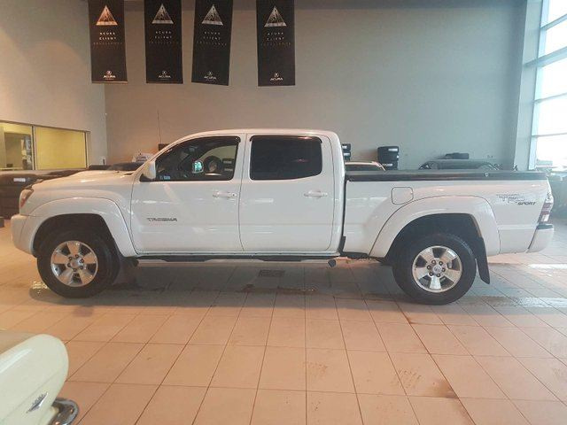 2010 TOYOTA TACOMA V6 - Tonneau Cover, 4X4 + Heated Leather! in Red Deer, Alberta