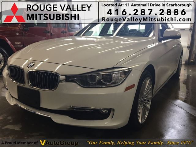 2013 BMW 3 SERIES 328 i i xDrive, NO ACCIDENTS !!! in Scarborough, Ontario