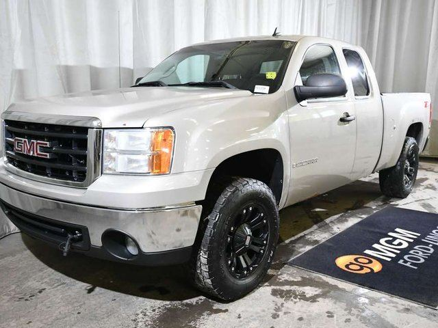 2008 GMC SIERRA 1500 SLE 4x4 Extended Cab 6.6 ft. box 143.5 in. WB in Red Deer, Alberta