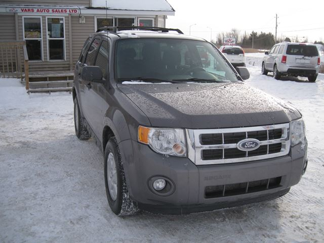 2011 Ford Escape XLT *Certified* in Vars, Ontario
