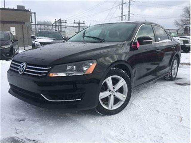2013 VOLKSWAGEN PASSAT 2.5L Comfortline (A6) MOON ROOF LEATHERETTE MAGS in St Catharines, Ontario