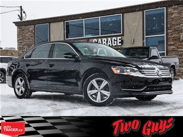 2012 VOLKSWAGEN PASSAT 2.5L Comfortline (A6) MOON ROOF LEATHERBIG MAGS in St Catharines, Ontario