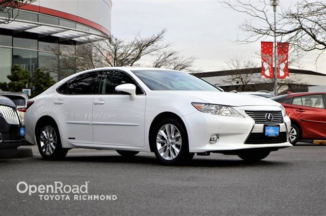 2015 LEXUS ES 300H Balance of factory warranty, leather seats, par in Richmond, British Columbia
