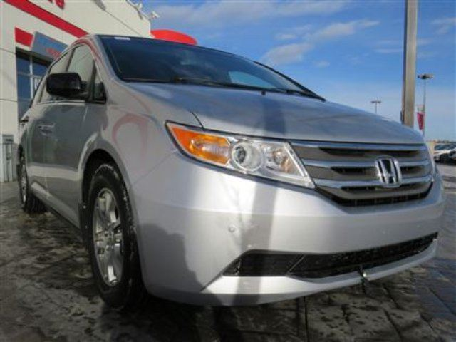 2013 HONDA ODYSSEY EX-L w/ RES *3M, One Owner, Local Vehicle* in Airdrie, Alberta