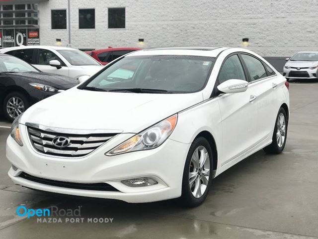 2011 HYUNDAI SONATA Limited A/T Local BLuetooth USB AUX Leather Hea in Port Moody, British Columbia