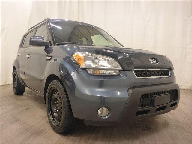 2011 KIA SOUL 2.0L 4u Luxury in Calgary, Alberta