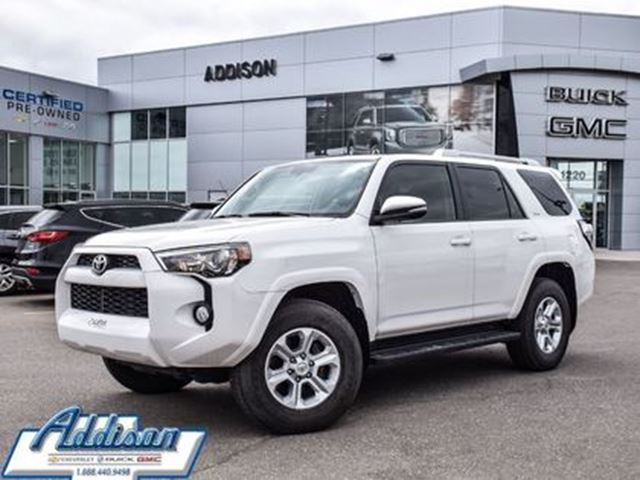 2016 TOYOTA 4Runner SR5 GPS, Leather, Sunroof in Mississauga, Ontario
