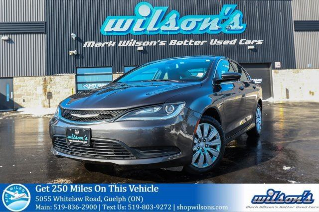 2015 CHRYSLER 200 LX AUTOMATIC! PUSH BUTTON START! BLUETOOTH! CRUISE CONTROL! POWER PACKAGE! KEYLESS ENTRY! in Guelph, Ontario