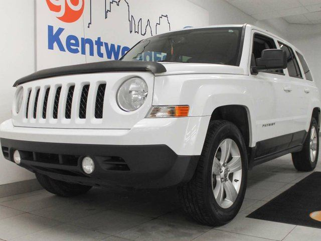 2012 JEEP PATRIOT Sport/North 4x4 in winter white with heated seats in Edmonton, Alberta