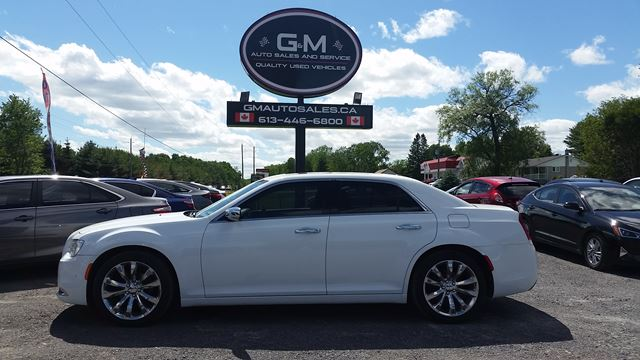 2016 CHRYSLER 300 300C in Rockland, Ontario