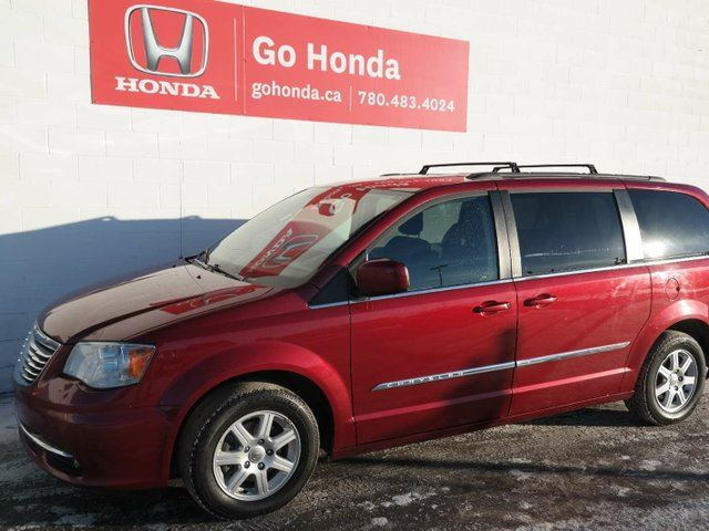 2011 CHRYSLER TOWN AND COUNTRY Touring, DVD, NAVI, SUNROOF, 7 SEATS in Edmonton, Alberta