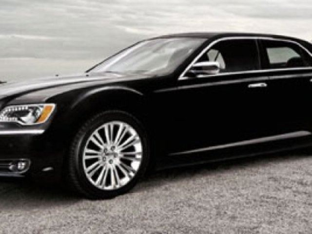 2011 CHRYSLER 300 LIMITED Accident Free, Navigation (GPS), Leather, Heated Seats, Sunroof, A/C, - Edmonton in Sherwood Park, Alberta