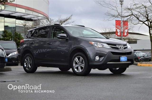 2015 TOYOTA RAV4 XLE, Navigation, power sunroof, front heated se in Richmond, British Columbia