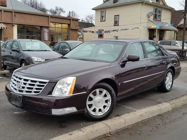 2008 CADILLAC DTS           in St Catharines, Ontario