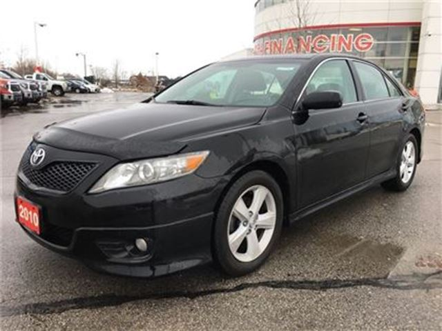 2010 Toyota Camry SE Leather Moonroof PKG / VERY Well Maintained! in Stouffville, Ontario