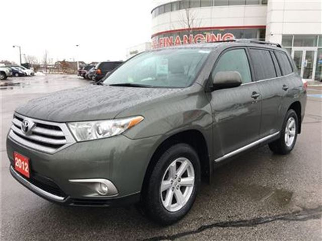 2012 Toyota Highlander V6 4WD Leather Pkg - No Accidents/Well Maintained in Stouffville, Ontario