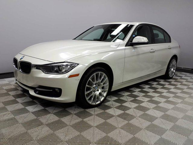 2015 BMW 3 SERIES 320 320i xDrive - Local One Owner Trade In | 3M Protection Applied | Navigation | Parking Sensors | Bluetooth | Heated Seats | Heated Steering Wheel | Dual Zone Climate Control with AC | 18 Inch Wheels | Bluetooth | Great Condition in Edmonton, Alberta