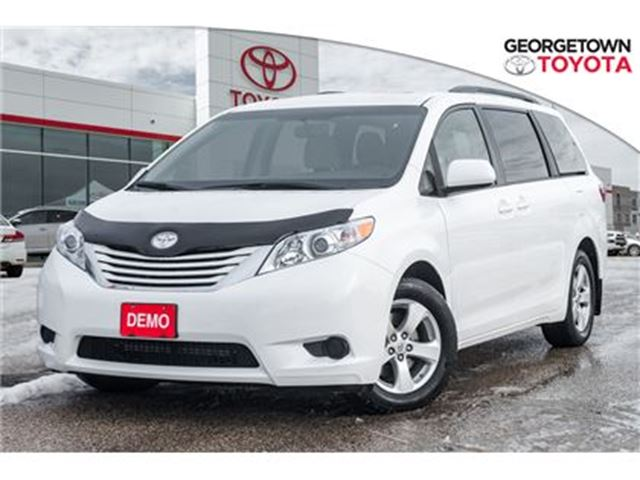 2017 Toyota Sienna LE,REARVIEW CAMERA,HEATED SEATS,AIR CONDITIONING in Georgetown, Ontario