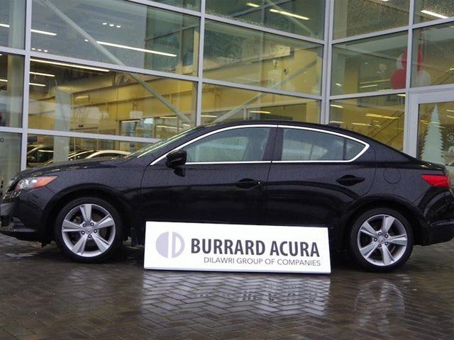 2015 ACURA ILX Dynamic 6sp in Vancouver, British Columbia