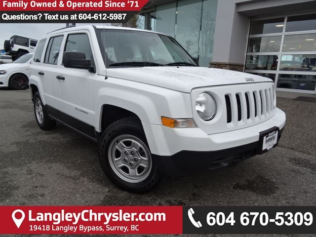 2015 JEEP PATRIOT Sport/North *ACCIDENT FREE * LOCAL BC JEEP* in Surrey, British Columbia